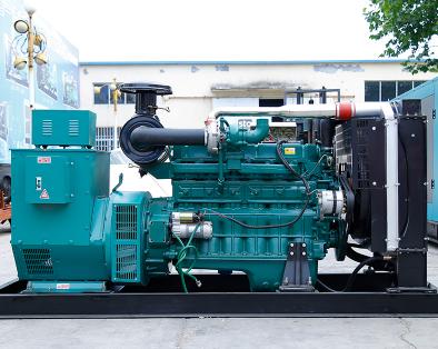 长沙星城县泰豪300kw大型柴油发电机组